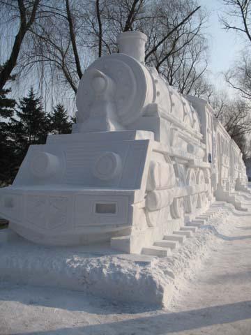 train snow sculpture #snowSculpture #snow #winter #sculpture #train