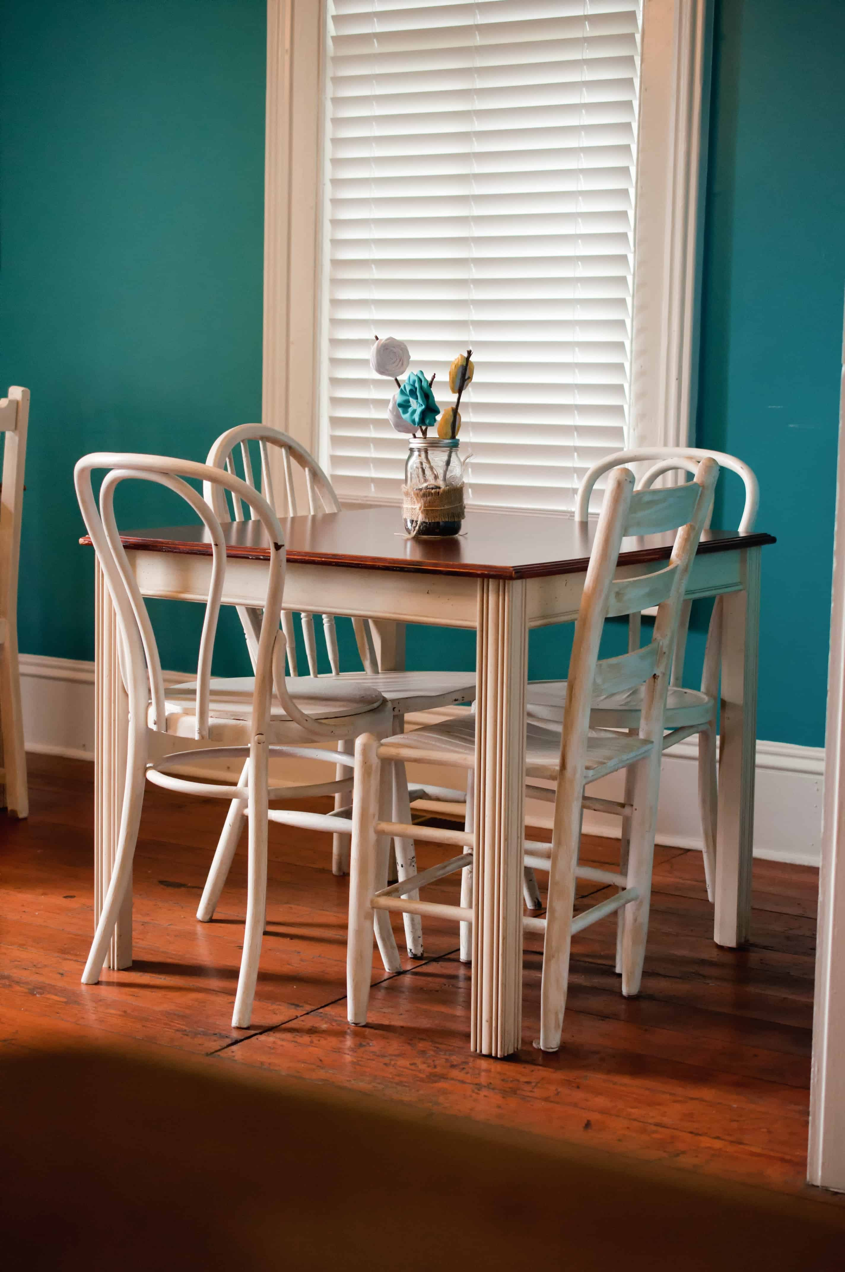 Home Makeover: Why Furniture Rental Is A Great Option: 4 Chair dinning table