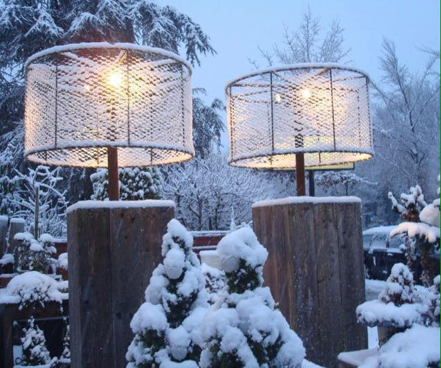 Outdoor winter party ideas: Snowy Outdoor lampshade