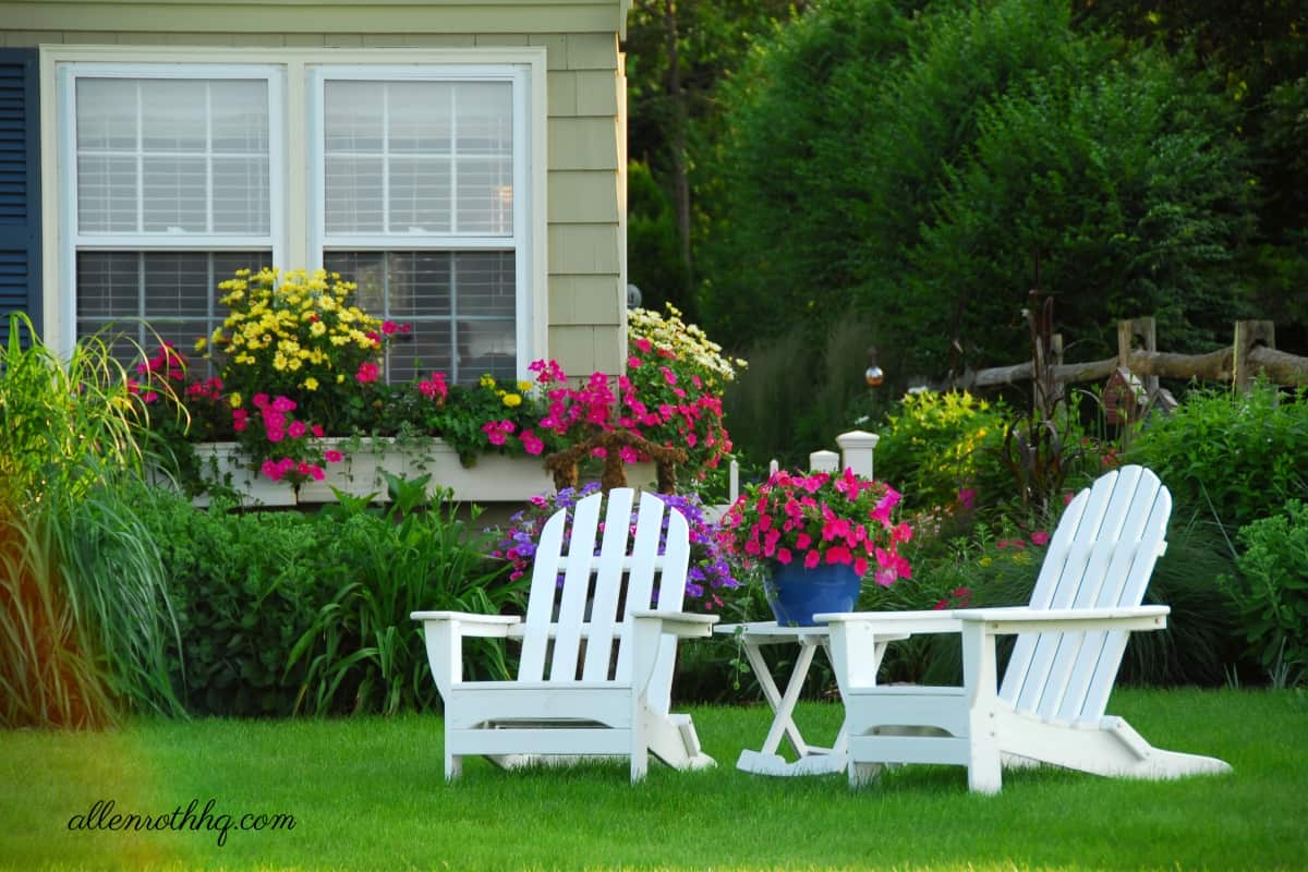 Curb appeal: Add a small outdoor siting area