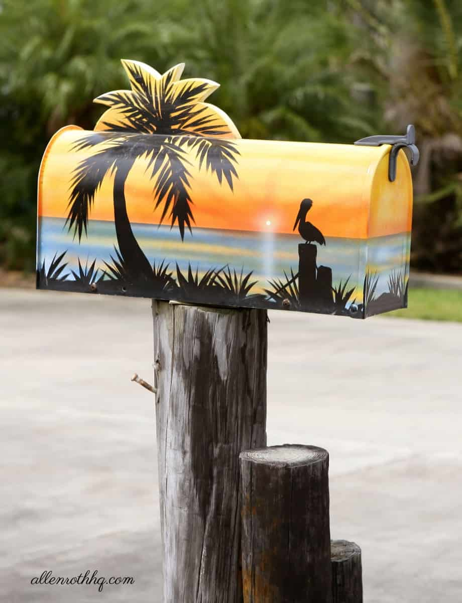 Curb appeal: Get an artistically painted mailbox #curbAppealProjects #curbAppeal #houseExterior #homeExterior #homeExteriorIdeas  #mailBox