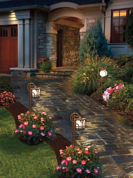 Curb appeal: Add path lights to your walkway #curbAppealProjects #curbAppeal  #backyardLighting #outdoorLights #pathlights #backyarddesign #lighting #lights #OutdoorLighting #pathlights #walkway