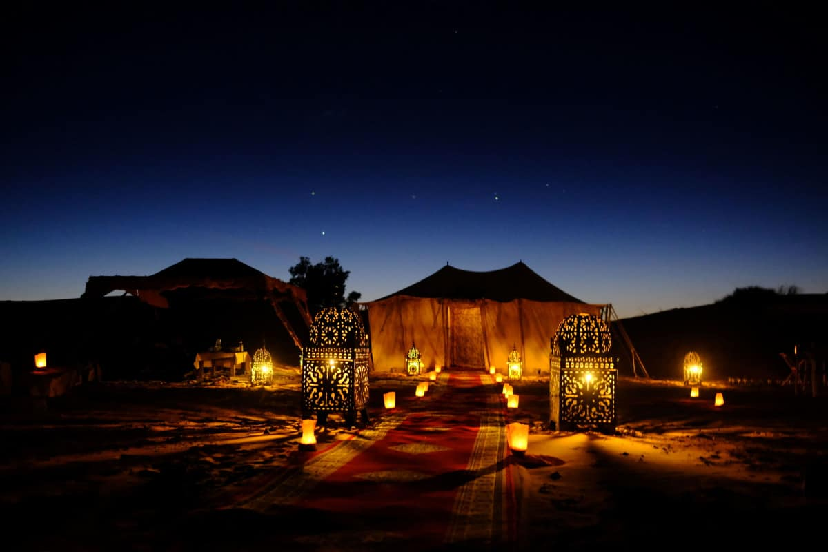 Step by Step Guide for Setting Up a Lighted Tent In Your Backyard:Outdoor party lights