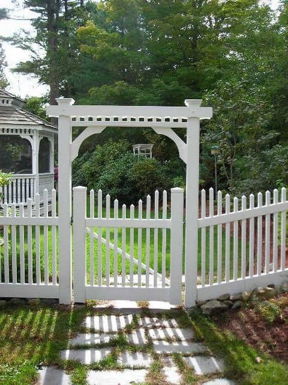 classic white picket fence #fenceGate #fence #gardenfence #gardenfenceideas #privacyfenceideas #privacyfence #backyardLandscaping #backyardLandscapingIdeas #landscaping #gardenfence #gardenfenceideas #privacyfenceideas #arbor