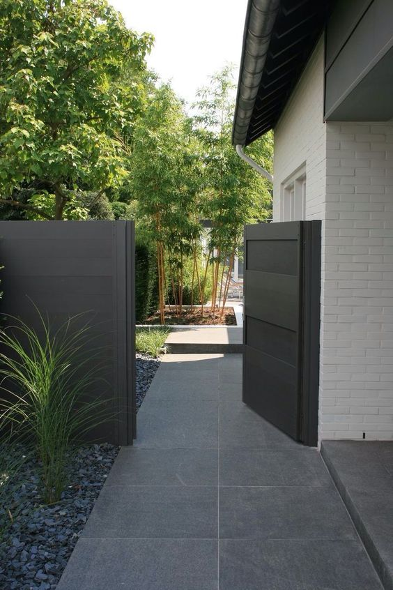 Black fence gate #fenceGate #fence #gardenfence #gardenfenceideas #privacyfenceideas #privacyfence #backyardLandscaping #backyardLandscapingIdeas #landscaping #gardenfence #gardenfenceideas #privacyfenceideas