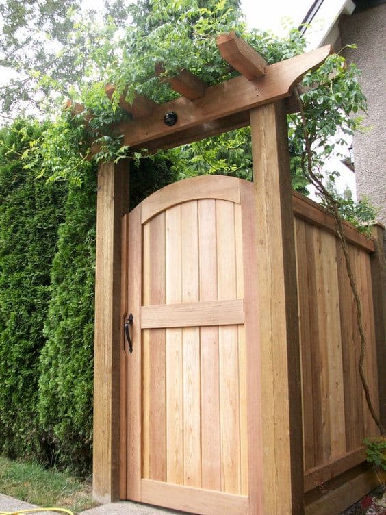 cedar wood fence gate #fenceGate #fence #gardenfence #gardenfenceideas #privacyfenceideas #privacyfence #backyardLandscaping #backyardLandscapingIdeas #landscaping #gardenfence #gardenfenceideas #privacyfenceideas