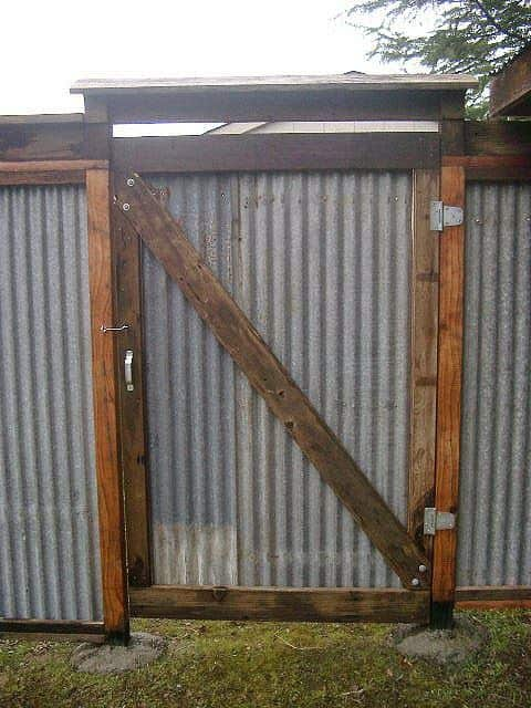 corrugated metal gates #fenceGate #fence #gardenfence #gardenfenceideas #privacyfenceideas #privacyfence #backyardLandscaping #backyardLandscapingIdeas #landscaping #gardenfence #gardenfenceideas #privacyfenceideas