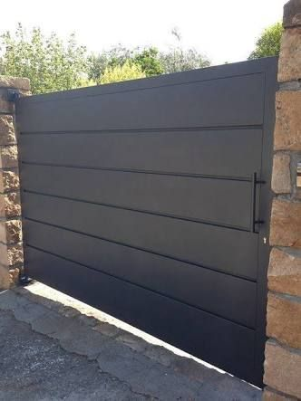 big black minimalistic gate design #fenceGate #fence #gardenfence #gardenfenceideas #privacyfenceideas #privacyfence #backyardLandscaping #backyardLandscapingIdeas #landscaping #gardenfence #gardenfenceideas #privacyfenceideas