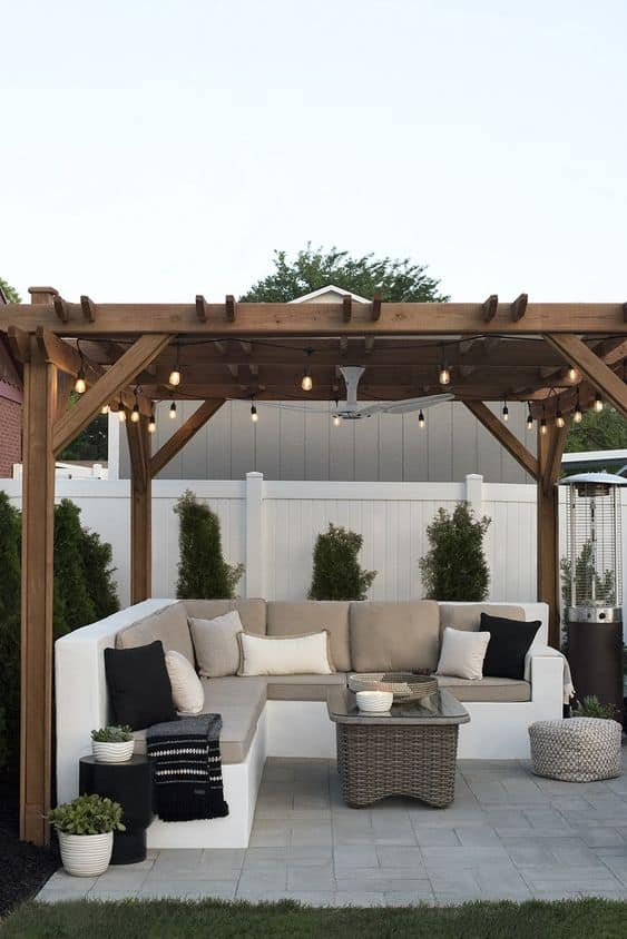 An outdoor ceiling fan installed in a pergola  #pergola #backyard #outdoor #ceilingFan #pavilion