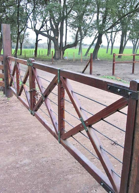 metal wood ranch like gate #fenceGate #fence #gardenfence #gardenfenceideas #privacyfenceideas #privacyfence #backyardLandscaping #backyardLandscapingIdeas #landscaping #gardenfence #gardenfenceideas #privacyfenceideas
