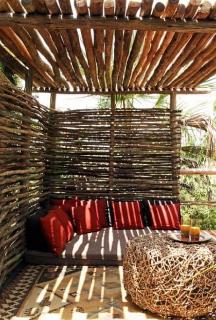 wood logs for a pergola cover #pergola #backyardLandscaping #backyardLandscapingIdeas #landscaping #cheapLandscapingIdeas #landscape #pavilion #curbAppeal #outdoorliving #outdoorShade