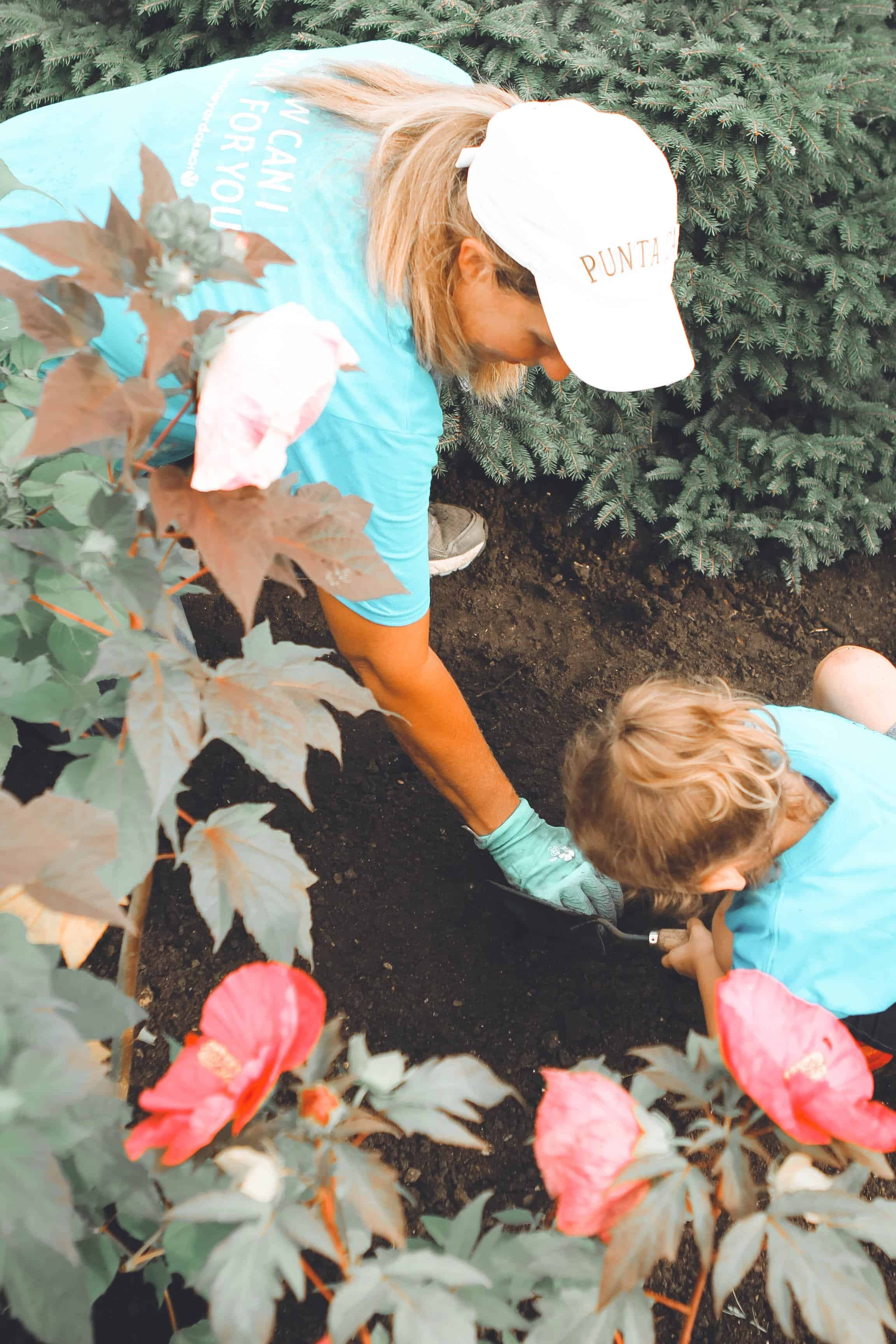 Gardening with kids #garden #gardening #backyardGarden #kids #kidsActivities