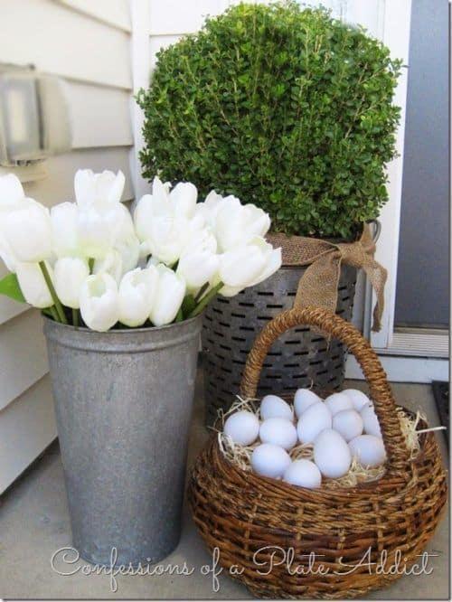 Farmhouse chic for your Easter porch #farmhouse #easter #backyardporch #porchIdeas #frontDoorDecor