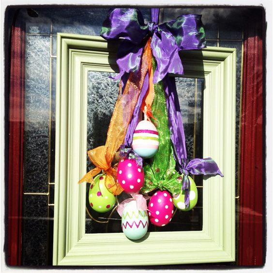 Recycled Wreath #recycled #easter #frontDoor #frontDoorDecor #frontDoorWreaths #frontDoorWreath #curbAppealProjects #curbAppeal