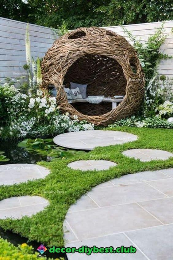 A cozy outdoor room made of vines #gardenSculptureIdeas #garden #landscaping #outdoorroom