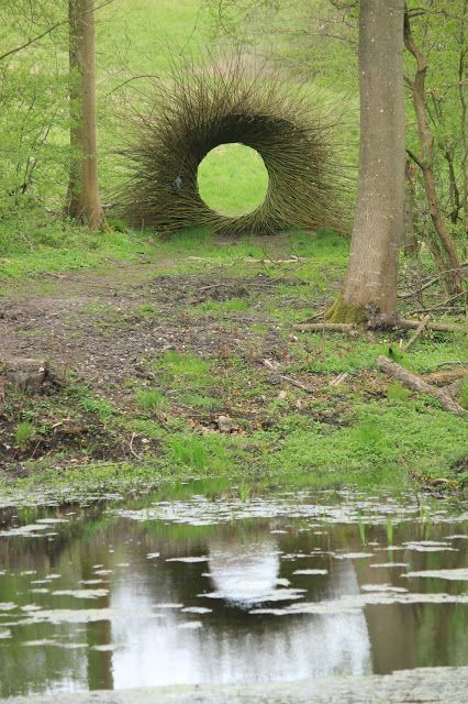Circular vine art sculpture #gardenSculptureIdeas #garden #landscaping #sculpture