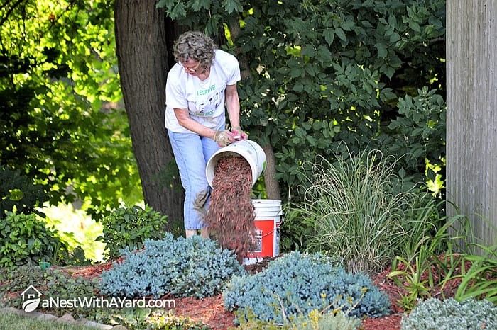 How To Make A Mulch Bed Easily In Your Garden