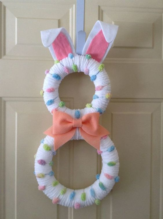 8-shaped Bunny #EasterBunny #easter #frontDoor #frontDoorDecor #frontDoorWreaths #frontDoorWreath #curbAppealProjects #curbAppeal
