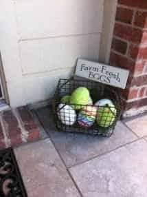 Easy to make Easter basket for your porch #easter #backyardporch #porchIdeas #frontDoorDecor