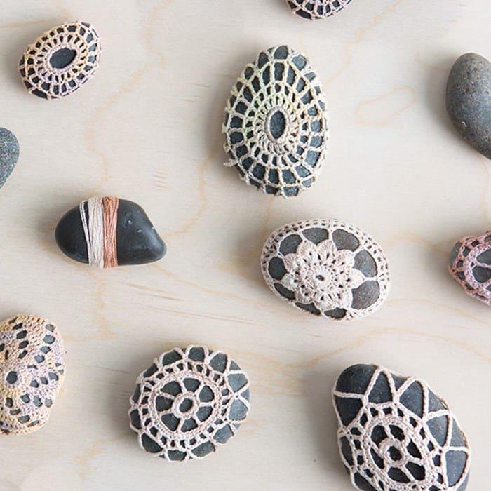 Crochet jacket for stones