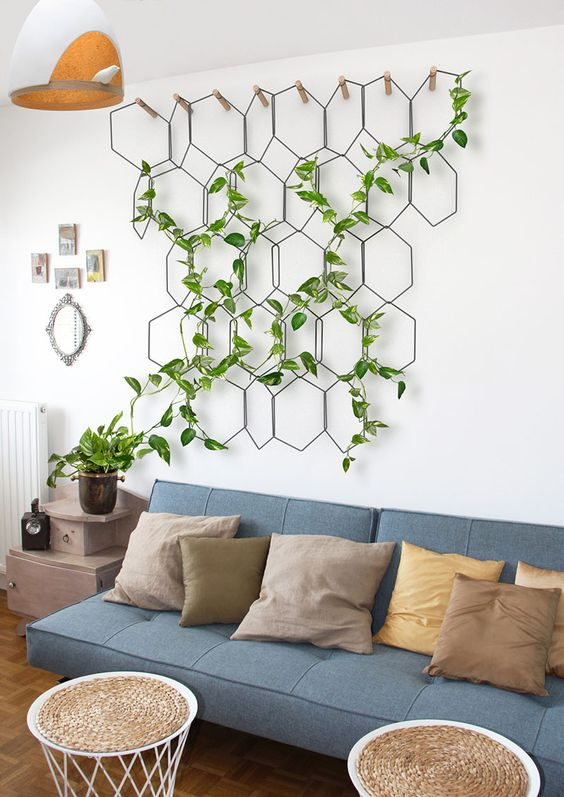 How to hang plants from walls: Hanging planters #wall #indoorGardenIdeas #indoorgardendesigns #indoorgardenapartment #apartmentindoorgarden #apartmentgardening #plants