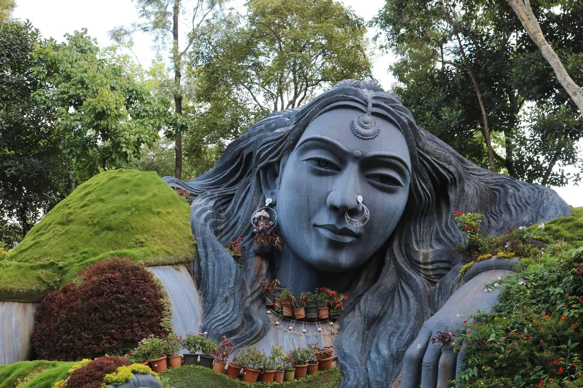 21 Garden sculpture ideas