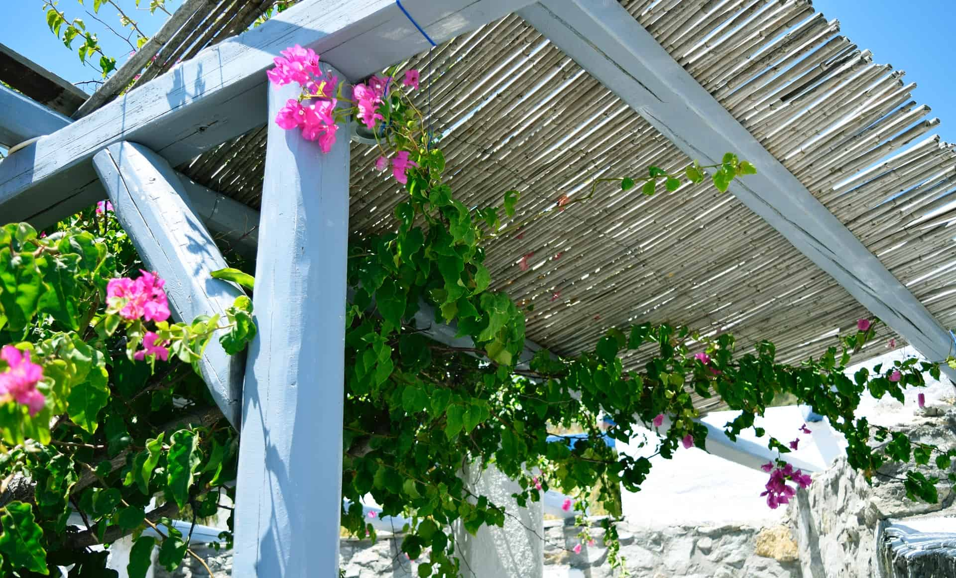 How to install a roof on your pergola fi