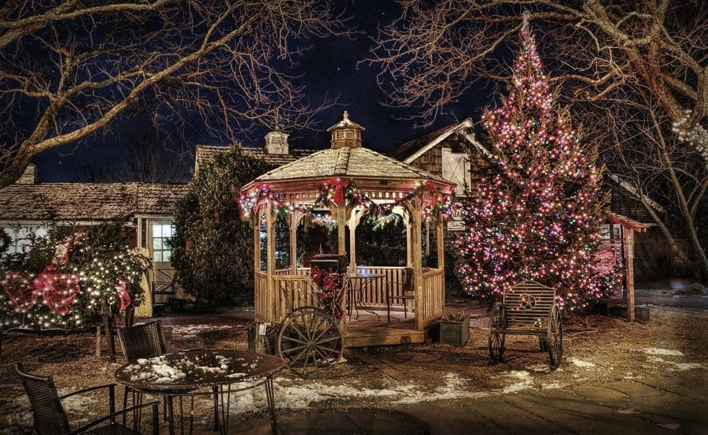 Christmas Gazebo: 14 Awesome Ideas To Inspire You