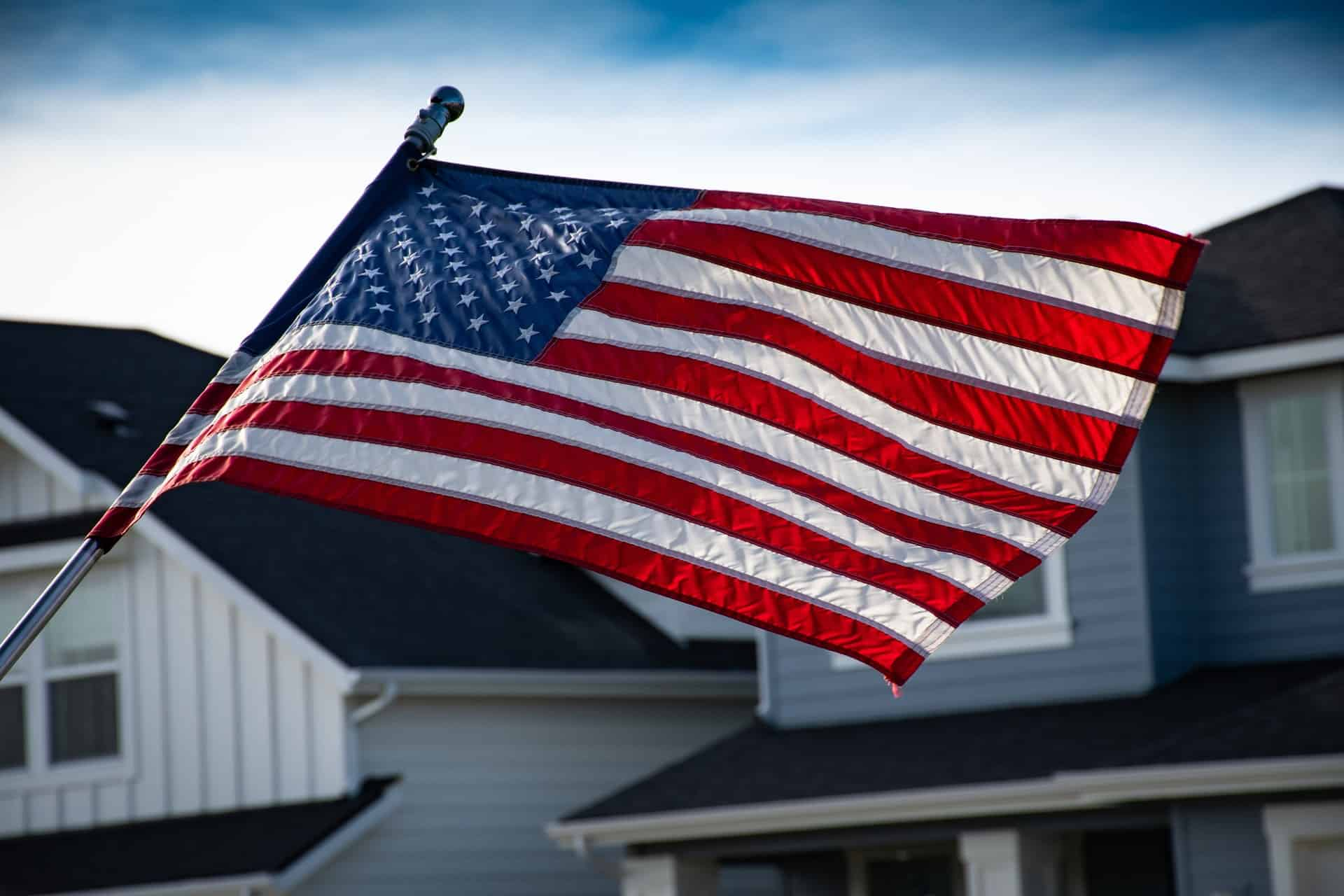 How To Keep Flag From Wrapping Around Pole #flag #backyarddesign #exteriordesign #outdoordecor #backyardDecor #backyard