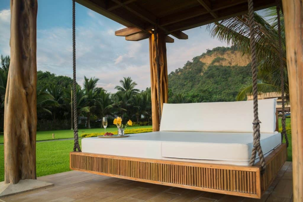 How to Waterproof a Mattress for Outdoors fi