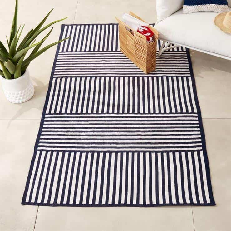Outdoor rug made of polyester