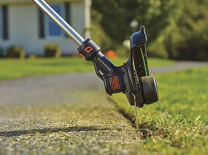 A close-up shot of a black and decker string trimmer head