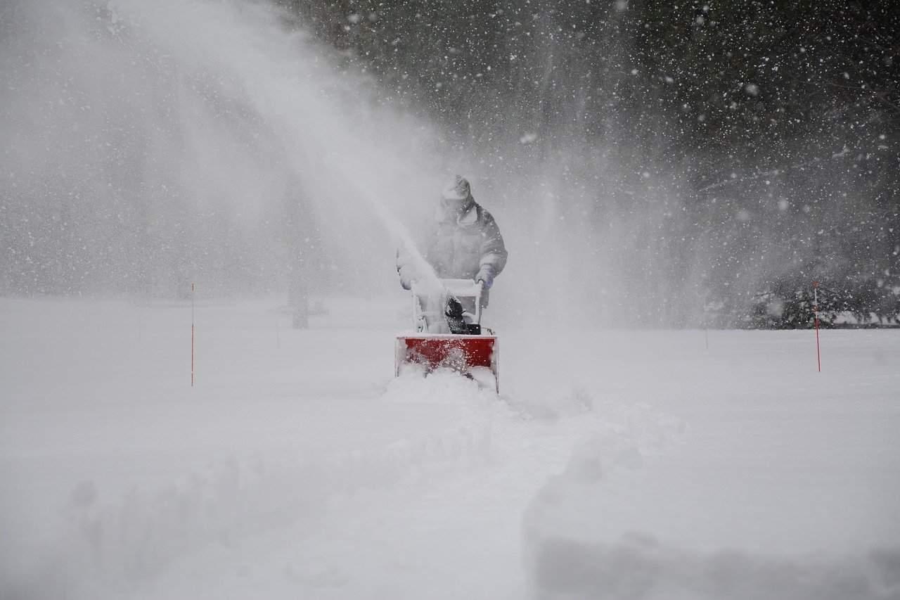 What is the best snowblower for gravel driveway? #driveway #snowblower #backyard #tools #snow #winter #frontyard #walkway